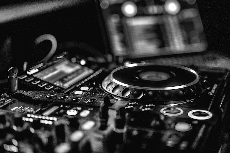 Learn to DJ Online | Online DJ Courses Australia